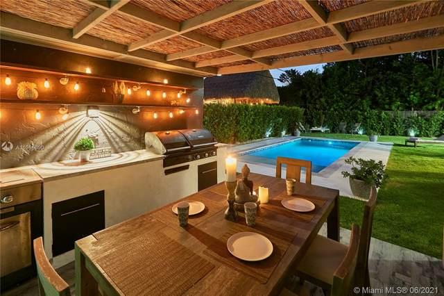 880 NE 72nd St, Miami, FL 33138 (MLS #A11056090) :: Berkshire Hathaway HomeServices EWM Realty