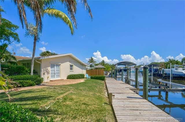 2561 Old Donald Ross Rd, Palm Beach Gardens, FL 33410 (#A11056224) :: Dalton Wade