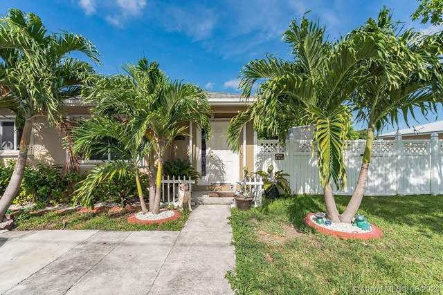 21831 SW 111th Ave, Miami, FL 33170 (MLS #A11056273) :: Berkshire Hathaway HomeServices EWM Realty