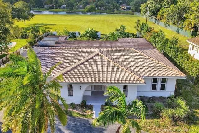 5721 SW 7th St, Plantation, FL 33317 (MLS #A11056277) :: Douglas Elliman