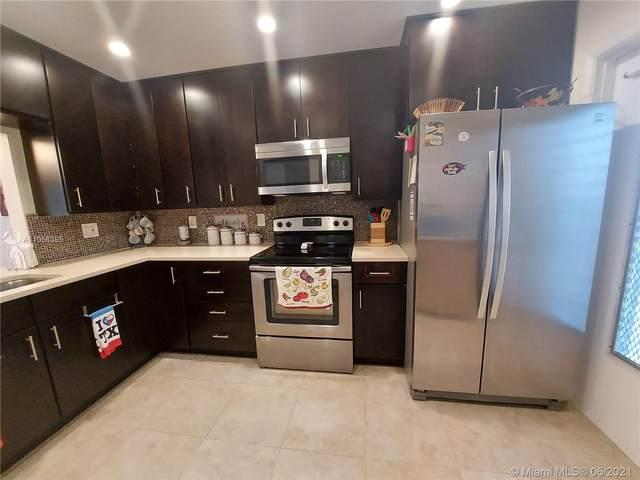 700 NE 14th Ave #211, Hallandale Beach, FL 33009 (MLS #A11056395) :: Castelli Real Estate Services
