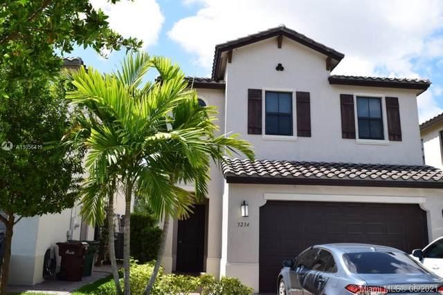 3234 W 99th Pl, Hialeah, FL 33018 (MLS #A11056419) :: Douglas Elliman