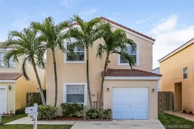 6204 Seminole Ter, Margate, FL 33063 (MLS #A11056624) :: Team Citron