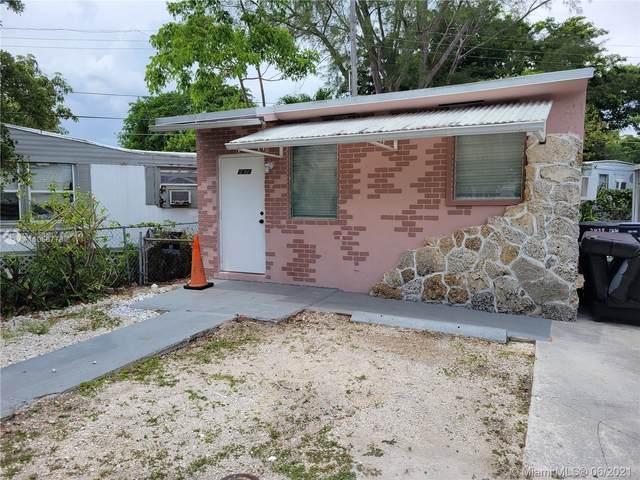 2475 NE 136th Ter, North Miami Beach, FL 33181 (MLS #A11056778) :: The Paiz Group