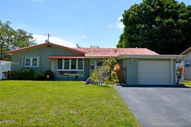 2208 N 40th Ave, Hollywood, FL 33021 (MLS #A11057072) :: Castelli Real Estate Services