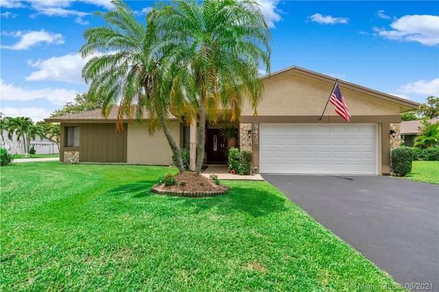 9435 NW 46th St, Sunrise, FL 33351 (MLS #A11057591) :: Search Broward Real Estate Team