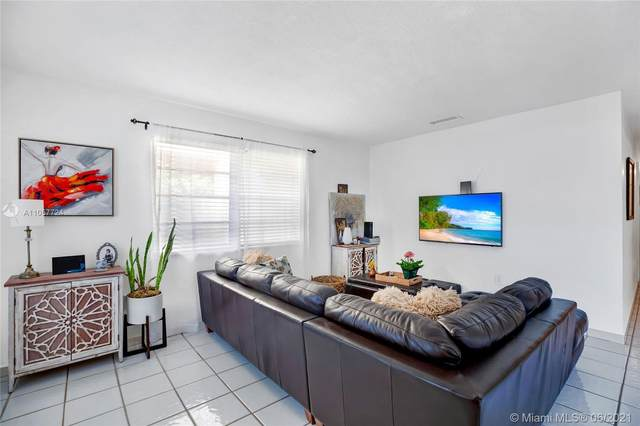 2959 SW 13th St, Miami, FL 33145 (MLS #A11057724) :: The Riley Smith Group