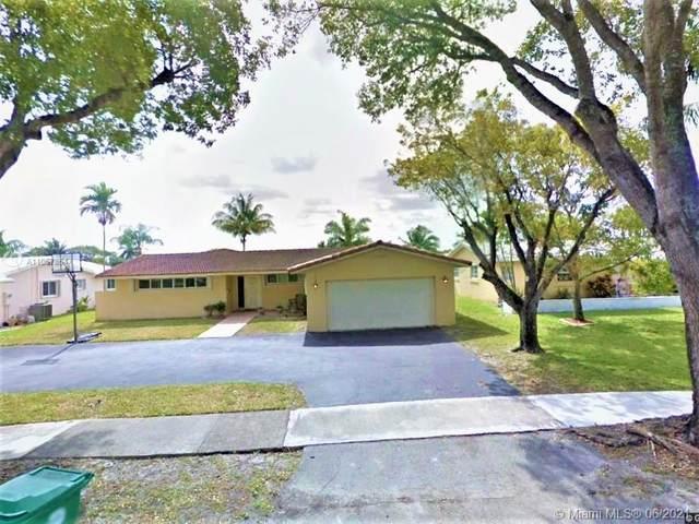 7240 Poinciana Ct, Miami Lakes, FL 33014 (MLS #A11057854) :: Douglas Elliman