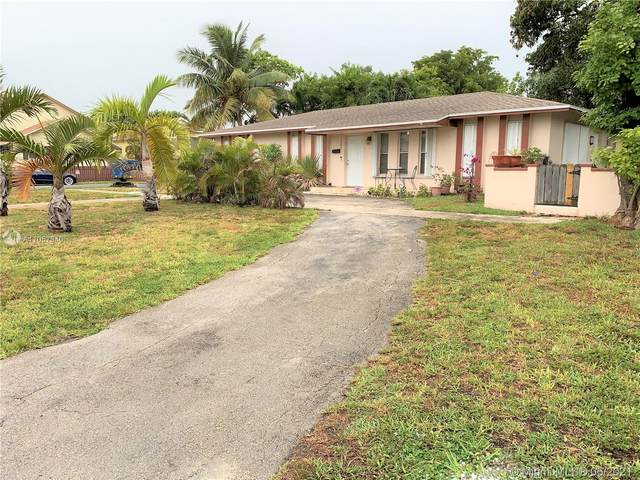 1302 SE 2nd Ave, Dania Beach, FL 33004 (MLS #A11057940) :: The Rose Harris Group