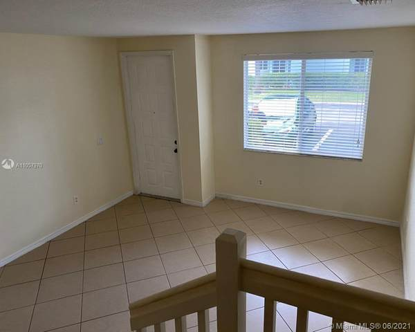 3729 Sonoma Dr ., Riviera Beach, FL 33404 (MLS #A11057970) :: Natalia Pyrig Elite Team   Charles Rutenberg Realty