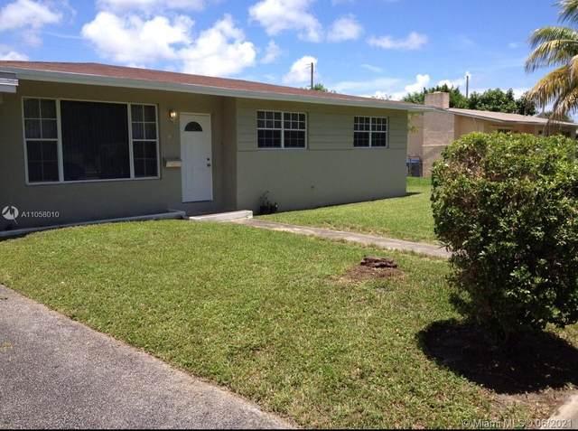 135 NE 191st St, Miami, FL 33179 (MLS #A11058010) :: Equity Realty