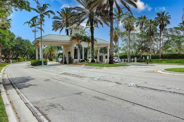 938 Golden Cane Dr, Weston, FL 33327 (MLS #A11058462) :: The Riley Smith Group
