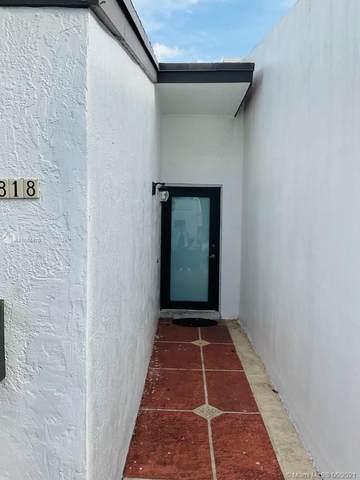 1818 W 72nd St #1818, Hialeah, FL 33014 (MLS #A11058470) :: Douglas Elliman