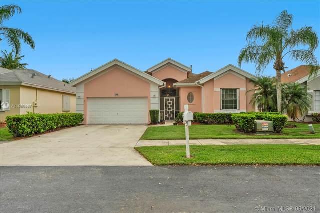 2400 SE 7th Pl, Homestead, FL 33033 (MLS #A11058587) :: Douglas Elliman