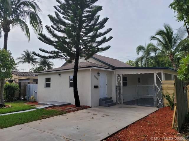 2338 Mckinley St, Hollywood, FL 33020 (MLS #A11058637) :: Search Broward Real Estate Team