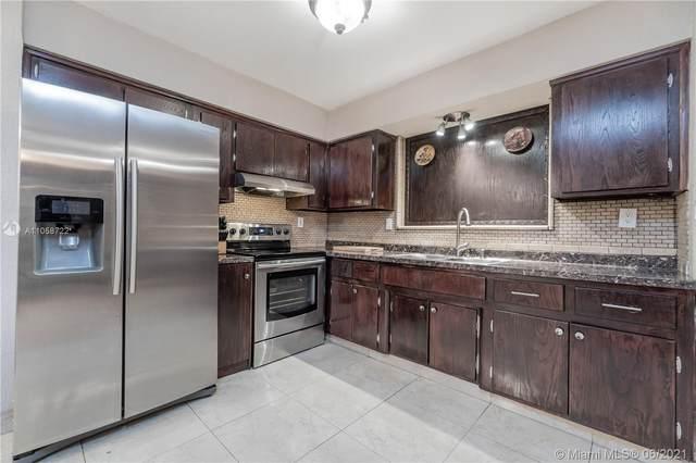 8211 NW 16th St, Pembroke Pines, FL 33024 (MLS #A11058722) :: Prestige Realty Group