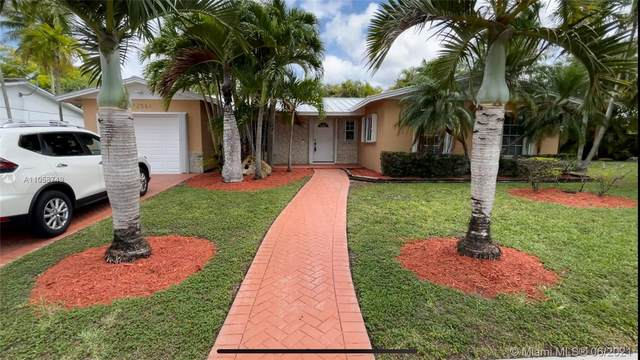 12061 SW 116th St, Miami, FL 33186 (MLS #A11058749) :: The Riley Smith Group