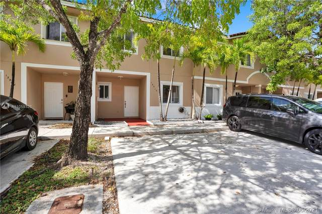 13912 SW 174th Ter, Miami, FL 33177 (MLS #A11059326) :: The Riley Smith Group