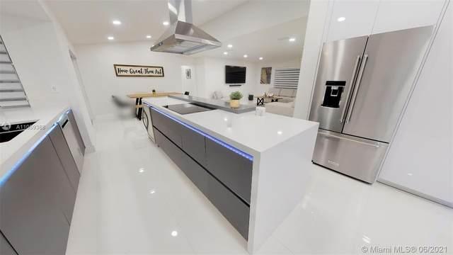 7300 SW 167th St, Palmetto Bay, FL 33157 (MLS #A11059368) :: Green Realty Properties