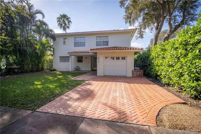 6910 Barquera St, Coral Gables, FL 33146 (MLS #A11059637) :: KBiscayne Realty