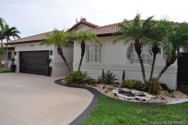 5224 SW 159th Ct, Miami, FL 33185 (MLS #A11059638) :: Equity Advisor Team