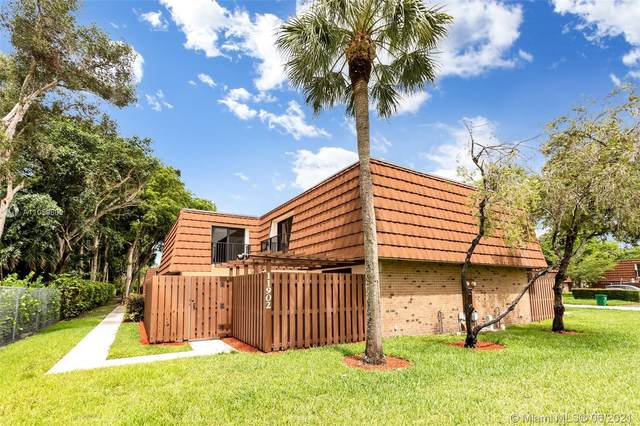 11902 SW 9th Mnr, Davie, FL 33325 (MLS #A11059660) :: Green Realty Properties