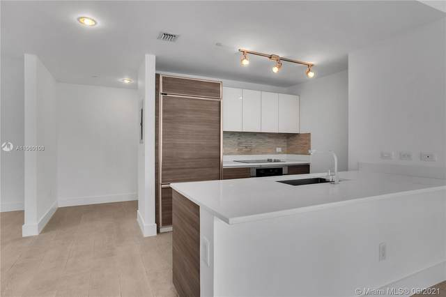 1100 S Miami Ave #1702, Miami, FL 33130 (MLS #A11060108) :: The Howland Group