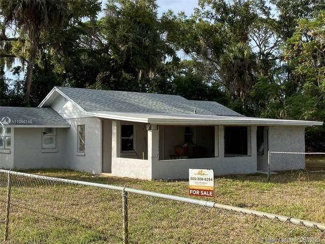 1106 English, Titusville, FL 32796 (MLS #A11060145) :: Natalia Pyrig Elite Team | Charles Rutenberg Realty