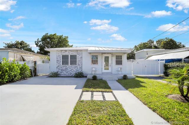 300 SW 64th Ave, Miami, FL 33144 (MLS #A11060161) :: The Rose Harris Group