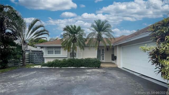 10265 SW 141st Ct, Miami, FL 33186 (MLS #A11060294) :: Natalia Pyrig Elite Team   Charles Rutenberg Realty