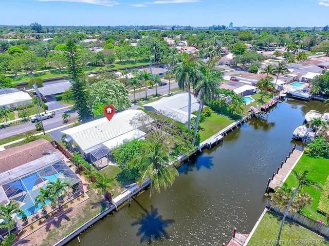 1401 SW 55th Ave, Plantation, FL 33317 (MLS #A11060308) :: Prestige Realty Group