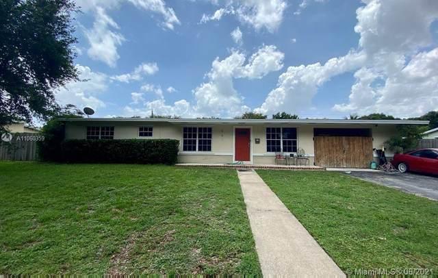 561 E Acre Dr, Plantation, FL 33317 (MLS #A11060359) :: Equity Advisor Team