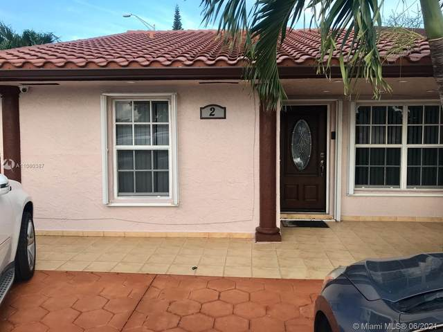2 NW 109th Ct South, Miami, FL 33172 (MLS #A11060387) :: The Howland Group