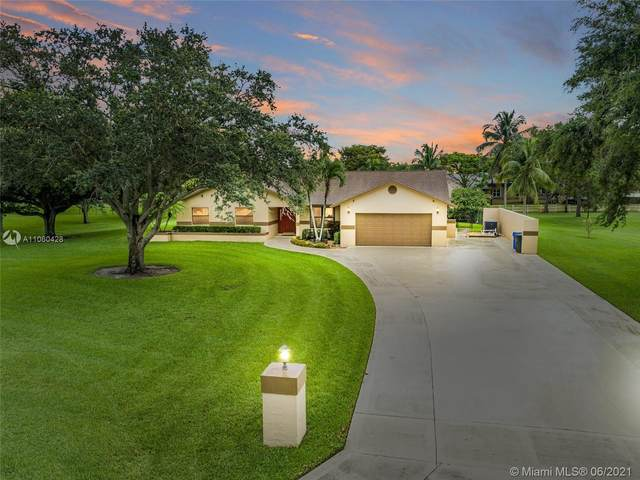 14931 Foxheath Dr, Southwest Ranches, FL 33331 (MLS #A11060428) :: ONE Sotheby's International Realty