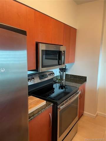 1200 Brickell Bay Dr #4322, Miami, FL 33131 (MLS #A11060731) :: Berkshire Hathaway HomeServices EWM Realty