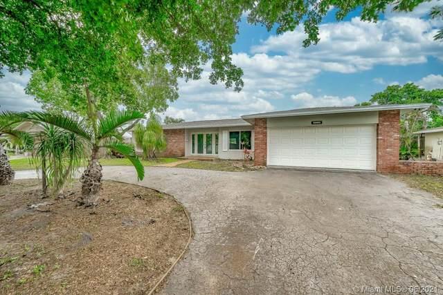 5280 SW 7th Street #5280, Plantation, FL 33317 (#A11060851) :: Dalton Wade