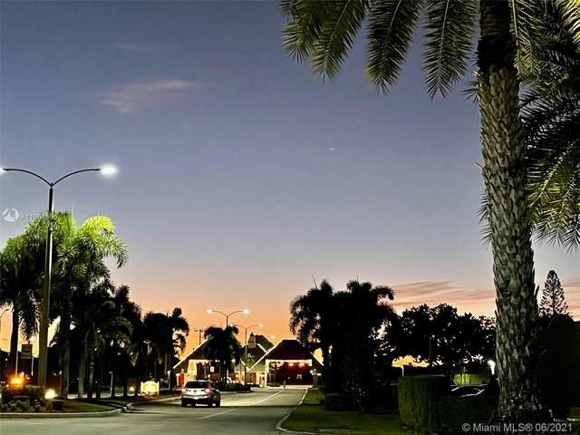 36 Suffolk A #36, Boca Raton, FL 33434 (#A11061350) :: Dalton Wade