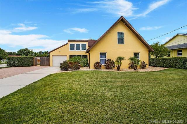 7341 Pebble Beach Rd, Fort Myers, FL 33967 (MLS #A11061838) :: The Teri Arbogast Team at Keller Williams Partners SW