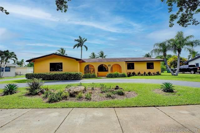 16923 SW 87th Ave, Palmetto Bay, FL 33157 (MLS #A11061901) :: Team Citron
