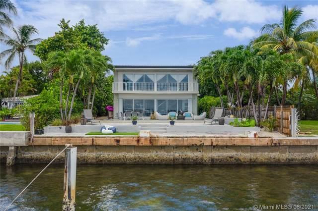 9125 N Bayshore Dr, Miami Shores, FL 33138 (MLS #A11062327) :: Team Citron