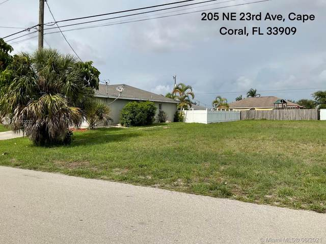 205 NE 23 AVE, Cape Coral, FL 33909 (MLS #A11062332) :: Onepath Realty - The Luis Andrew Group