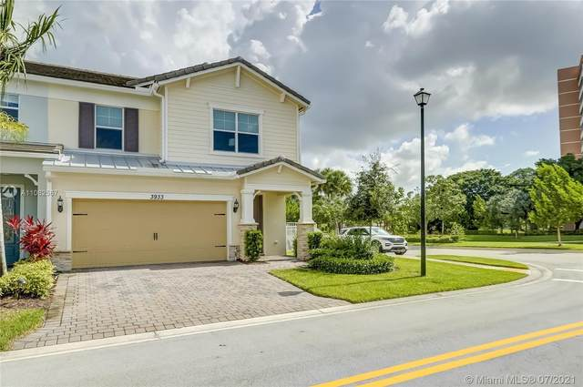 3933 Black Olive Ln, Hollywood, FL 33021 (MLS #A11062567) :: Green Realty Properties