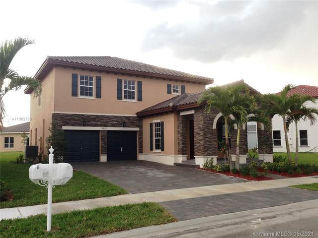 9216 SW 170th Psge, Miami, FL 33196 (MLS #A11062785) :: The Howland Group