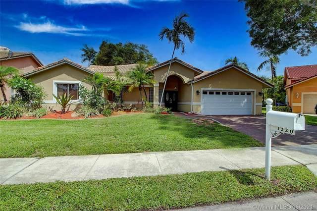 1320 SW 104th Ave, Pembroke Pines, FL 33025 (MLS #A11062888) :: Equity Advisor Team