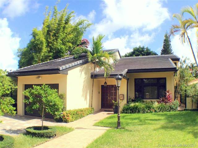426 Gerona Ave, Coral Gables, FL 33146 (MLS #A11062921) :: Equity Advisor Team