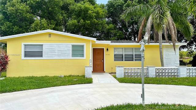 5630 SW 55th St, Davie, FL 33314 (MLS #A11062949) :: Team Citron