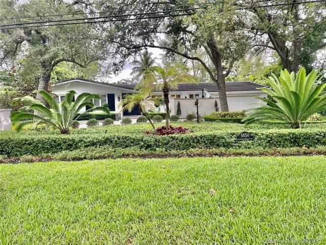 5050 NE Granada Blvd, Coral Gables, FL 33146 (MLS #A11063223) :: Team Citron