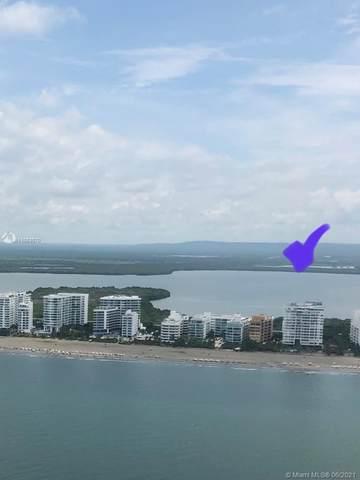 Spiaggia, FL 33154 :: Dalton Wade