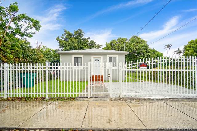 1754 NW 67th St, Miami, FL 33147 (MLS #A11064131) :: The Howland Group