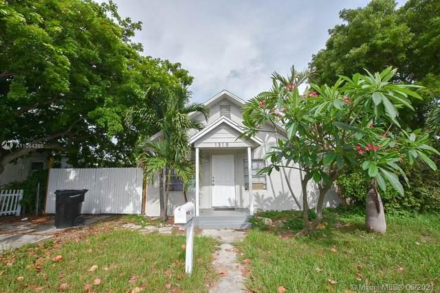 1319 S L St, Lake Worth, FL 33460 (MLS #A11064395) :: Prestige Realty Group